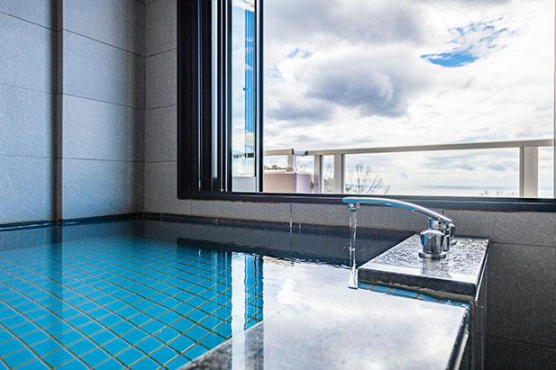 伊豆のリゾートホテル、UMITO the salon IZUの客室デラックスビューバスルーム4